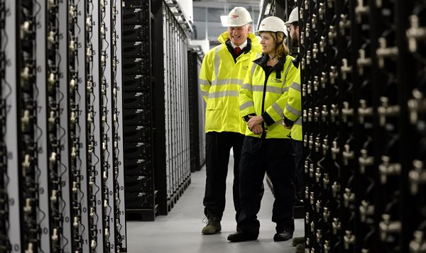 Amber_Rudd_visits_Leighton_Buzzard_battery_storage_facility.jpg